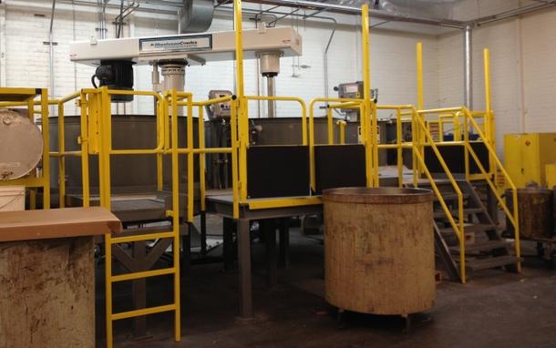 Pallet Gates on Work Platform - Side View