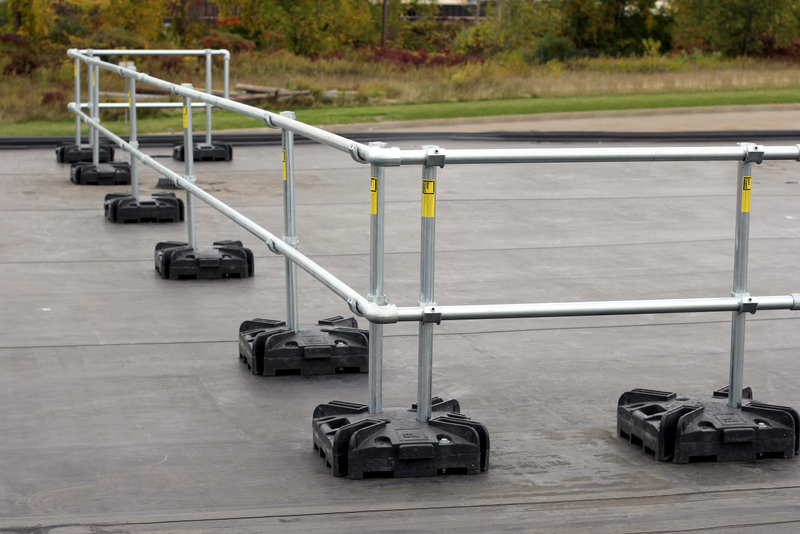 Portable Safety Rail : Portable safety railing systems temporary guardrail non