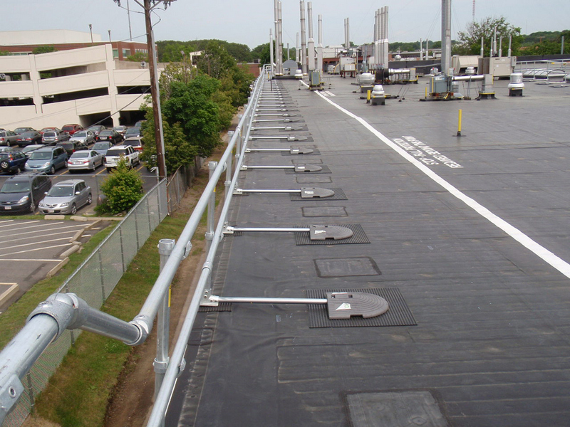 Non-Penetrating Roof Guardrail