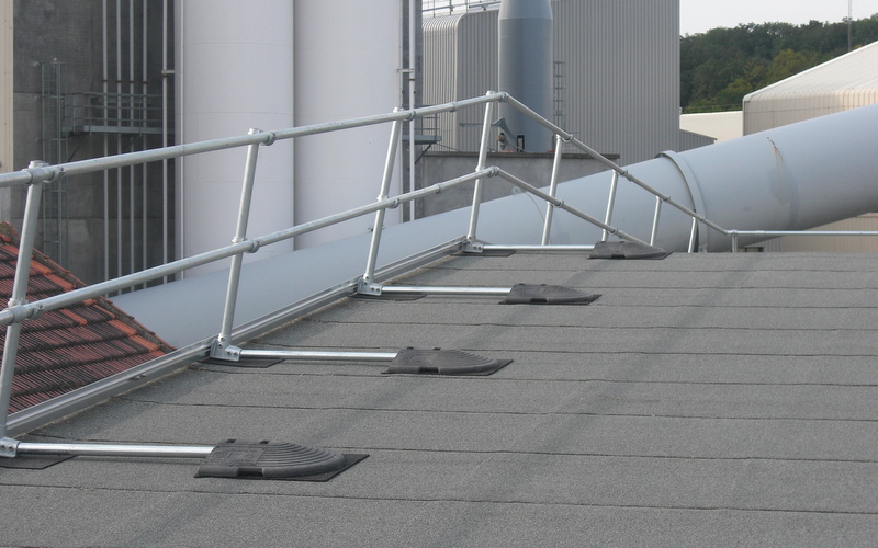 Roof Safety Rails : Safety railing for sloped rooftop fall protection